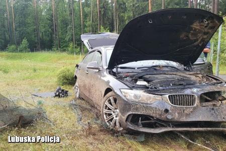 kradzione BMW rozbite na autosradzie