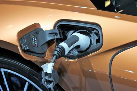 kradną akumulatory z samochodów hybrydowych