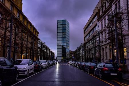 złodzieje ukradli 200 samochodów z parkingów osiedlowych